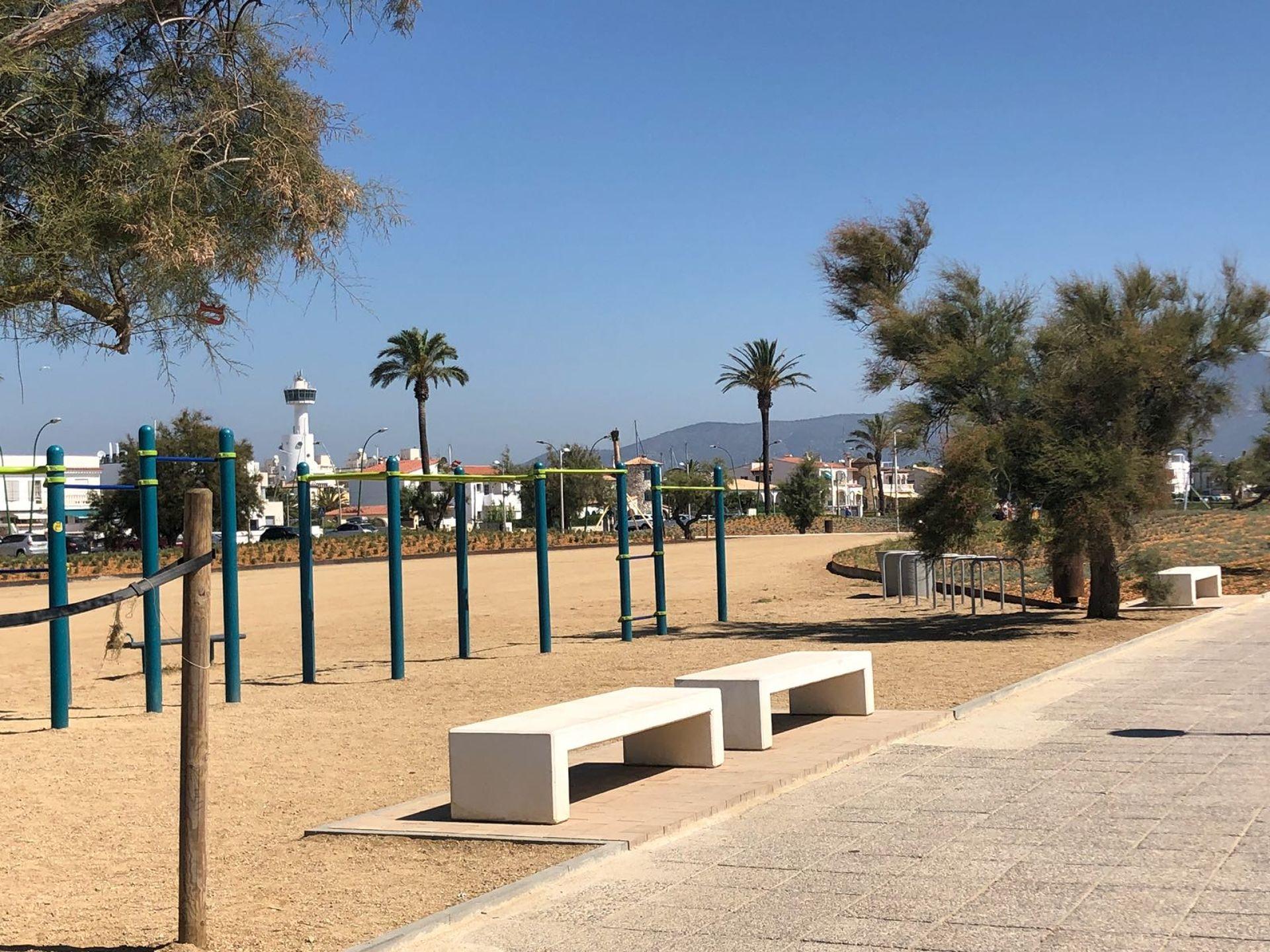 Frente a la playa